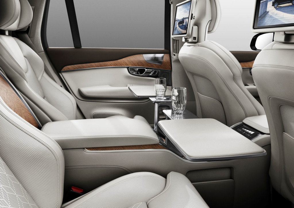 Volvo XC90 Excellence With Rear Table
